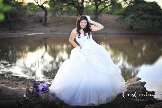 Sesion en el lago ! Photo by Cris Cordova Photography , Info: criscordova@hotmail.com , Bodas Destino, Destination wedding photographer ,  Facebook/criscordovafotografia
