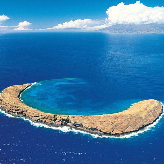 Molokini Crater. Maui, Hawaii: