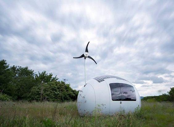 Casa portátil de 11m² funciona à base de sol e vento
