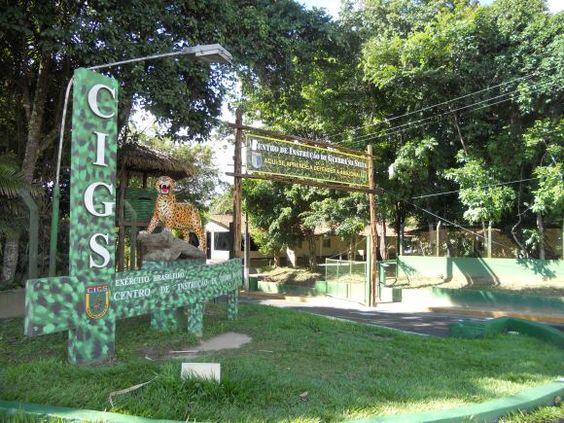 Manaus, Amazonas, Brasil http://aquioualgumlugar.com/2013/05/16/cotidiano-manauara-vida-urbana-no-meio-da-floresta/