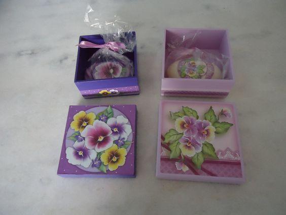Caixa com sabonete - www.elo7.com.br/esterartes