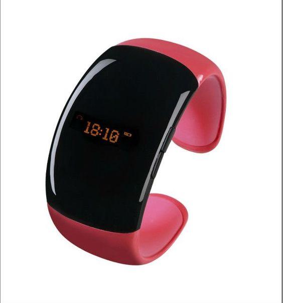 Il primo braccialetto fashion per tutte le donne  Funzioni: orologio, vibrazione chiamate in entrata, smarrimento telefono, collegamento bluetoot con qualsiasi cellulare, visualizza numero o nome chiamante,  vibrazione sms in entrata, kit vivavoce (chiamate, notifiche, musica)