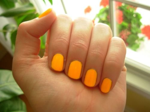 Florescent finger nails. Fun spring/summer color (but only when nails are cut short like these!)