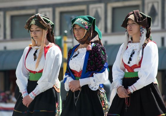 Sant'Efisio, una straordinaria festa di bellezza - Foto - la Nuova Sardegna