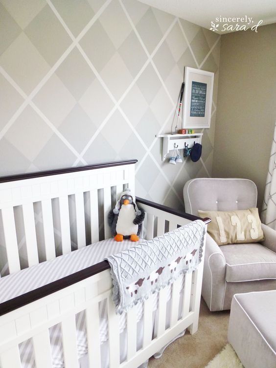 How to paint an argyle wall!