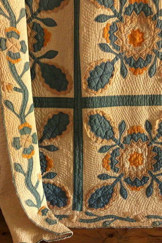 Antique Handmade SQUASH BLOSSOM Applique Quilt ..