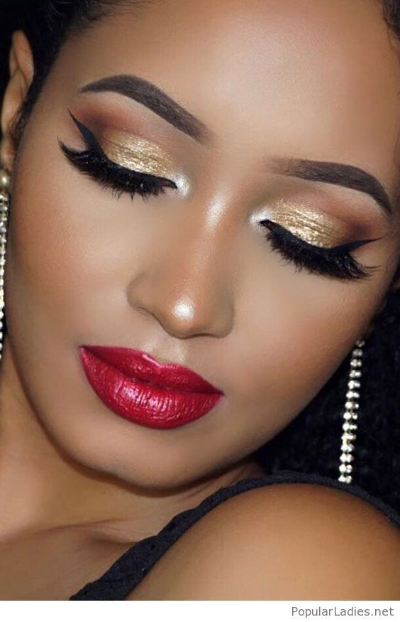 Gold Eye Makeup And Red Lips Gold Eye Makeup Eye Makeup Gold Eyes