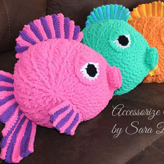 Free Crochet Fish Pillow Pattern : Pin by Coconuts Crochet on Amurigami Pinterest Cas ...