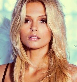Beauty blonde hair be a baddy pinterest sourcils nuances blondes et belle - Blonde aux yeux marrons ...