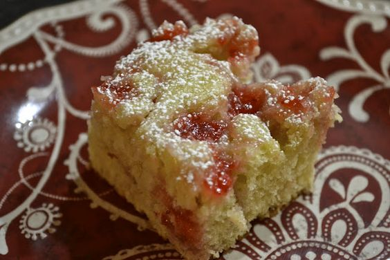 """Point-less"" Meals: Cream Cheese Strawberry Coffee Cake - 3 pts+"