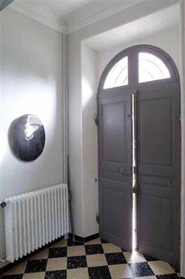 Peinture et couleur pour une entr e de maison accueillante for Entree maison ancienne