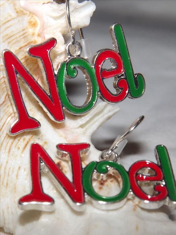 Very+cute+NOEL+earrings.  Perfect+to+wear+this+holiday+season!  measures+1+inch+wide