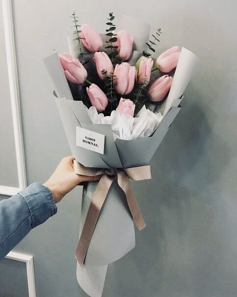 I would love for someone to give me a big pink tulip bouquet on my bday