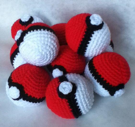 Amigurumi Pokemon Ball : Crochet Pokeball Hacky Sack Pinterest Ea, Sacks and Etsy