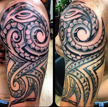 Maori on pinterest - Tatouage tribal epaule homme ...