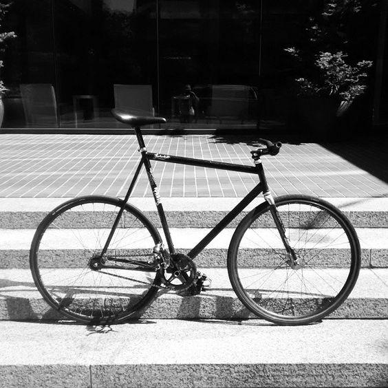 Filament winding creates the best forks. #woundupfork #woundup #composites #compositeforks #carbonforks #carbonfiber #filamentwound #forkyeah #superforks #ruggedforks #cycling #bikeforks #custombuilt #americanforks #madeintheusa #quality #handcrafted #handmade #bespokeforks #zephyr #fixie #velofork #trackfork #fixedgear #courierfork #fixiefork #woundupzephyr #zephyrtrackfork #streetforks www.woundupcomposites.com www.advancedcomposites.com