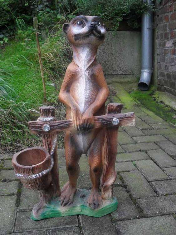 Erdmannchen Am Balken Zum Bepflanzen Gartenfigur Erdmann Tierfigur Erd007 Erdmannchen Gartenfiguren Figuren Shop