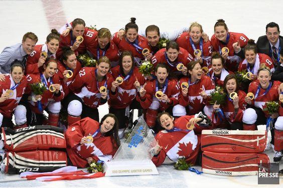 JO Sotchi - 20 février 2014 - Les Canadiennes ont comblé un écart de deux buts avec seulement 3:26 à faire en troisième pour finalement vaincre les Américaines en prolongation sur le deuxième but du match de Marie-Philip Poulin et ainsi mettre la main sur la médaille d'or du hockey féminin des Jeux de Sotchi, leur quatrième titre olympique consécutif.