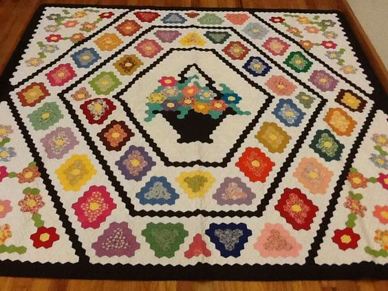 Hexagon basket quilt.: