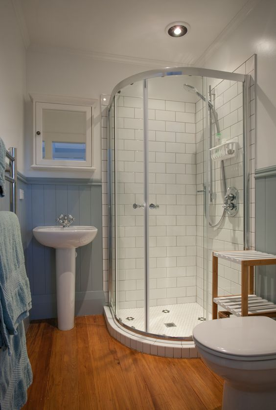 Renovated ensuite 1900 39 s villa cambridge new zealand for Bathroom design cambridge