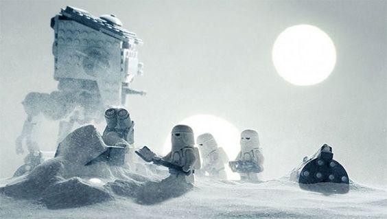 When Lego Meets Star Wars L'illustrateur finlandais Vesa Lehtimäki (Avanaut) nous propose avec cette série d'images de mélanger 2 standar...