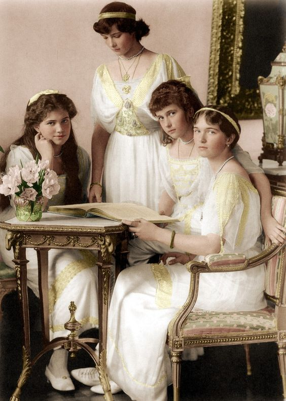 Maria, Tatiana, Anastasia and Olga Romanov, 1914