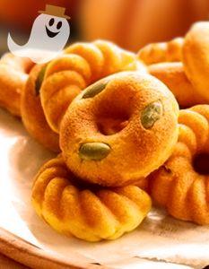 KABOCHA DONUT DE CALABAZA  Ingredientes: Hot cake Mix, harina de trigo, levadura, calabaza, tofu, harina de trigo para formar, aceite para freír. Dificultad: Moderada Comensales: 5  http://www.japonshop.com/receta/kabocha_donut_de_calabaza
