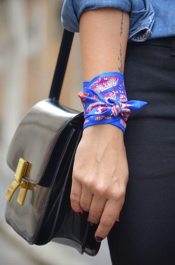 Silk Scarf Trend: tiriamo fuori la nostra collezione di foulard di Hermes | Vita su Marte