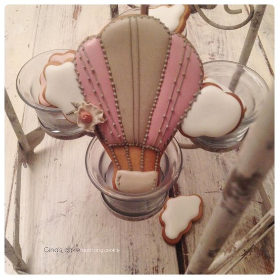 Let me fly - Hot Air Balloons by Gina's Cake