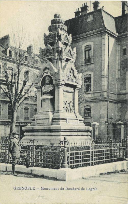 Monument De Doudard De Lagree A Saint Vincent De Mercuze