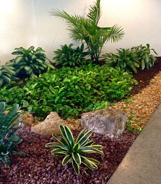 Ideas para crear un jard n para la sombra lugares ideas para and patio - Patios decorados con plantas ...