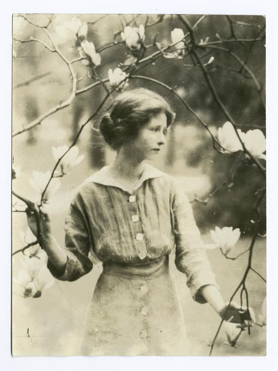 the early literary works of edna st vincent millay Edna st vincent millay's biography and she used the pseudonym nancy boyd for her prose work early life millay was millay began developing her literary.