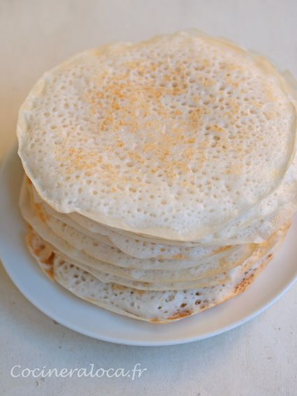 Crepes Kallappam: pancakes with rice flour and coconut