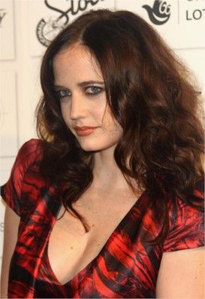 Eva Green makes fans dream of the moon as gorgeous Campari astronaut