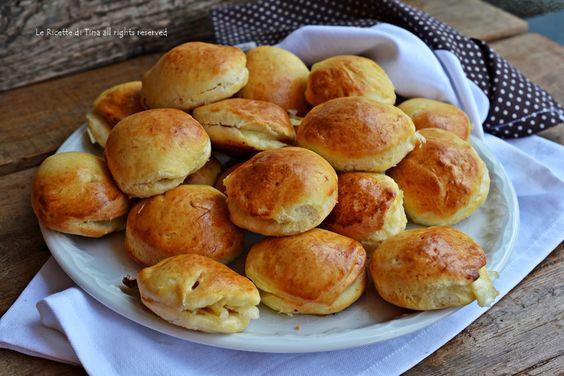 Panini veloci salati farciti,senza lievitazione!Una ricetta gustosa,facile e velocissima,un idea per la cena del sabato sera