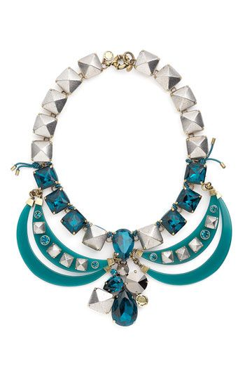 I would wear this marc jacobs necklace every day..even with my tracksuit..lol