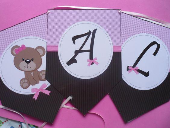 Bandeirinhas para festa, no tamanho 15x21 cm    *Valor por letra  * Acompanha fita cetim R$ 2,25