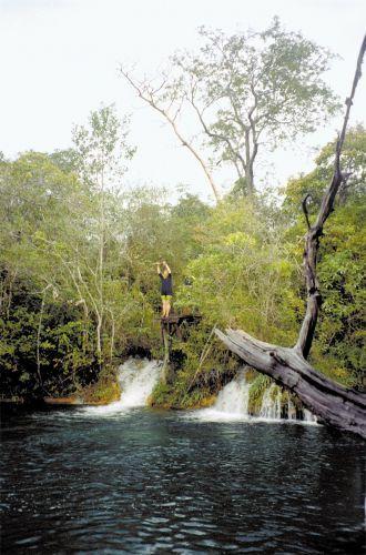 Tirolesa no rio Baía Bonita, Bonito, Mato Grosso do Sul, Brasil