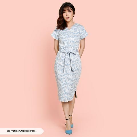 Dress Cantik Ala Korea Model Terbaru Trend Futuristik Gaun Model Pakaian Mode Korea