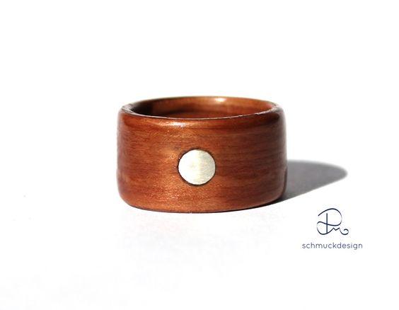 Holzringe - Bentwood Ring Makore Holz Silber Inlay Gr 55 - ein Designerstück von pm-schmuckdesign bei DaWanda