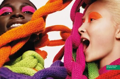 Google Image Result for http://www.nitrolicious.com/blog/wp-gallery/1106/benetton_chain_scarf/benetton_chain_scarf_003.jpg