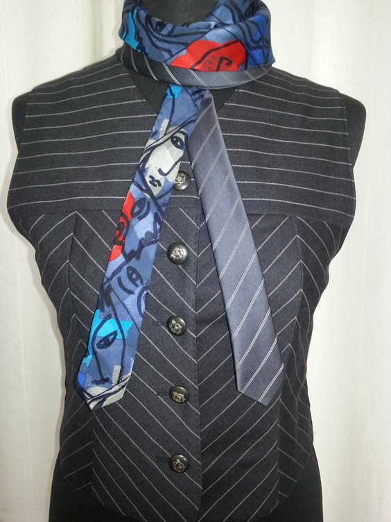 Front of the vest and details