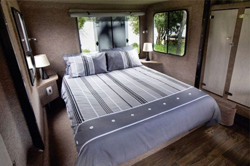 Mobi Lodge Continental Impressive Bedroom Off Road Travel Trailers In 2020 Travel Trailer Pop Up Camper Trailer Double Bed Size
