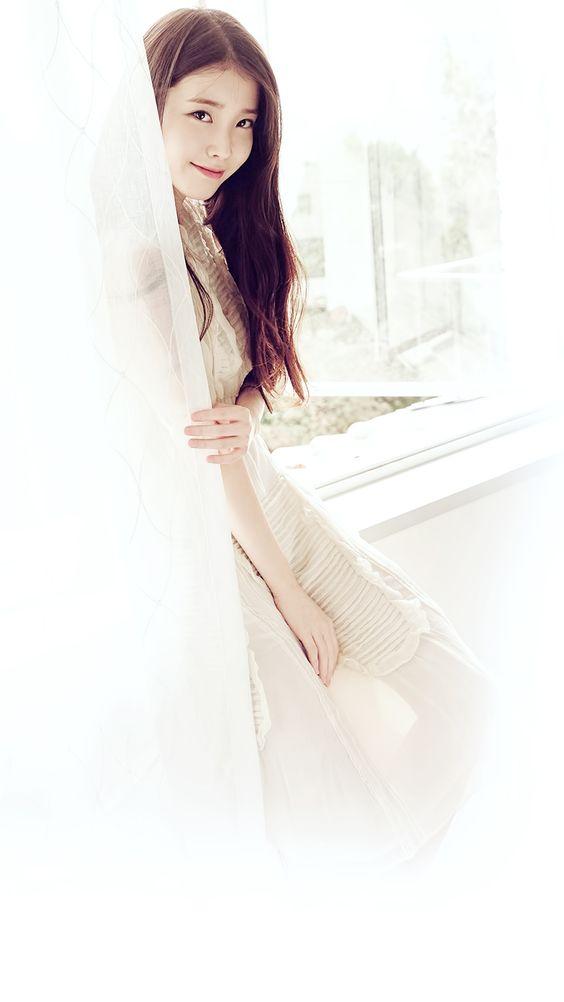 IUカーテンからチラ見えがかわいい画像