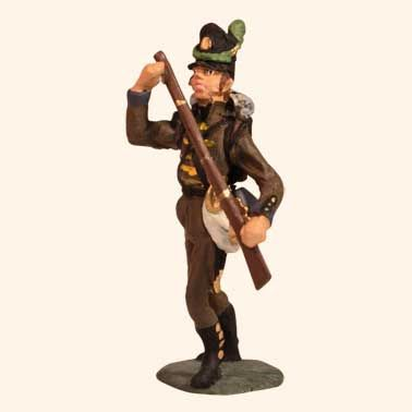 E 109 Cassadores Bugler on Foot 30mm Willie Foot  Portuguese or Guard Light Company Napoleonic Wars 1803 to 1815  30mm Willie War game figures  All the figures are made from white metal and are available as unpainted kit, castings, they can also be supplied fully hand painted in matt.