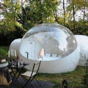 """Tienda de camping burbuja Disfruta del aire libre con esta tienda de campaña única. El gran tamaño de la """"burbuja"""" te permite de transformar un pedazo de naturaleza en tu espacio privado de tranquilidad…y sin insectos"""
