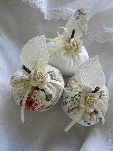 Sachê em tecido e flor