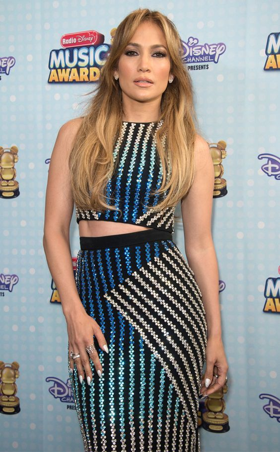 Jennifer Lopez e Ariana Grande se destacam no Radio Disney Music Awards 2015
