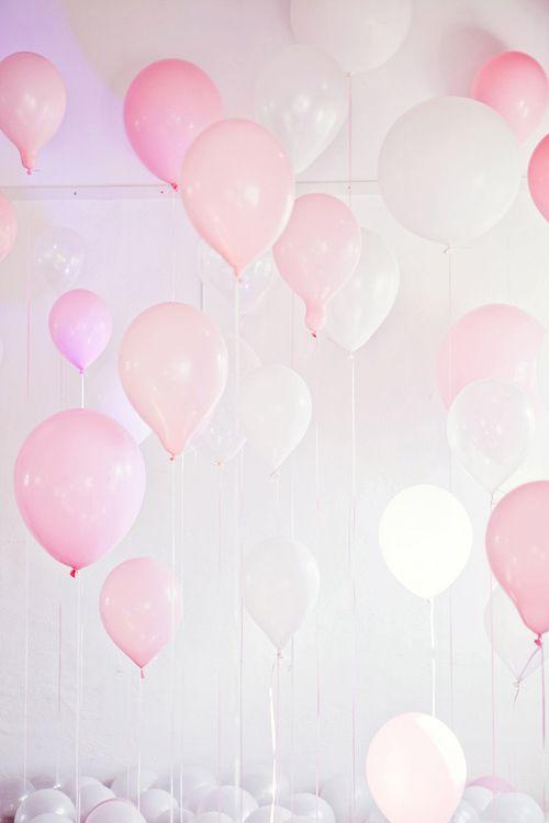 Essie liebt es zauberhaft mädchenhaft. Unsere Zuckerwatte zum Auftragen des Monats April ist sugar daddy. Mehr von uns findet ihr auf: instagram.com/essiedeutschland: