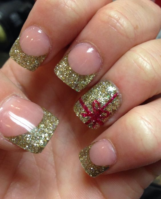Christmas Nails With Glitter: Christmas Nails, Nails And Gold Glitter On Pinterest